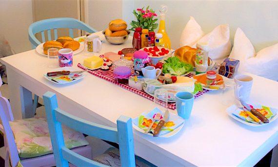 Pregare a tavola colazione immagine comunione